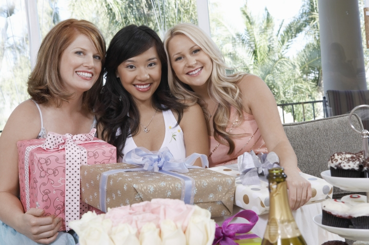 There are no rules for bridal showers but there are a lot of logistics. From picking a theme to finding a site, Shindigz offers our top bridal shower tips.